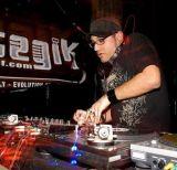 DJ_ROCKIT